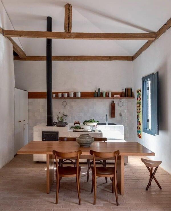 Modelos de cozinha com fogão à lenha