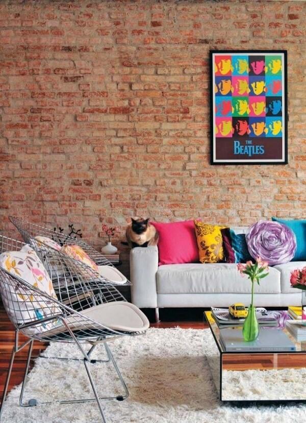 O famoso projeto de Andy Warhol com os quadros coloridos de ícones pop e musicais