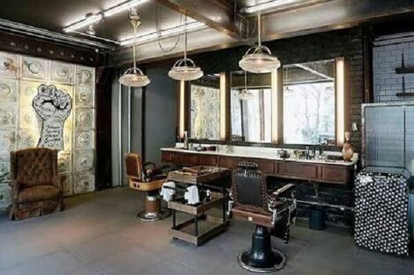 Os espelhos não podem faltar na decoração de barbearia