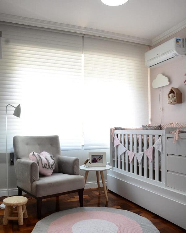 Otimize o quarto do bebê investindo no berço com gavetas