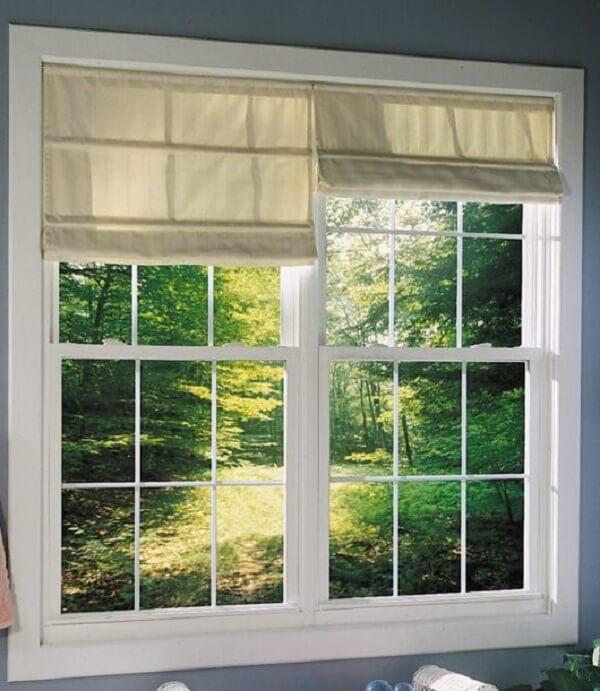 Persianas combinam bastante com a janela guilhotina