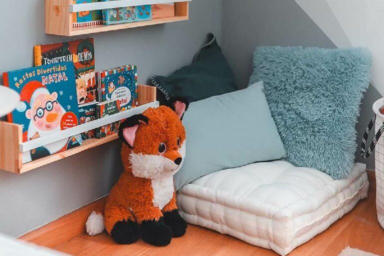 Prateleira para livros quarto infantil ao alcance dos pequenos