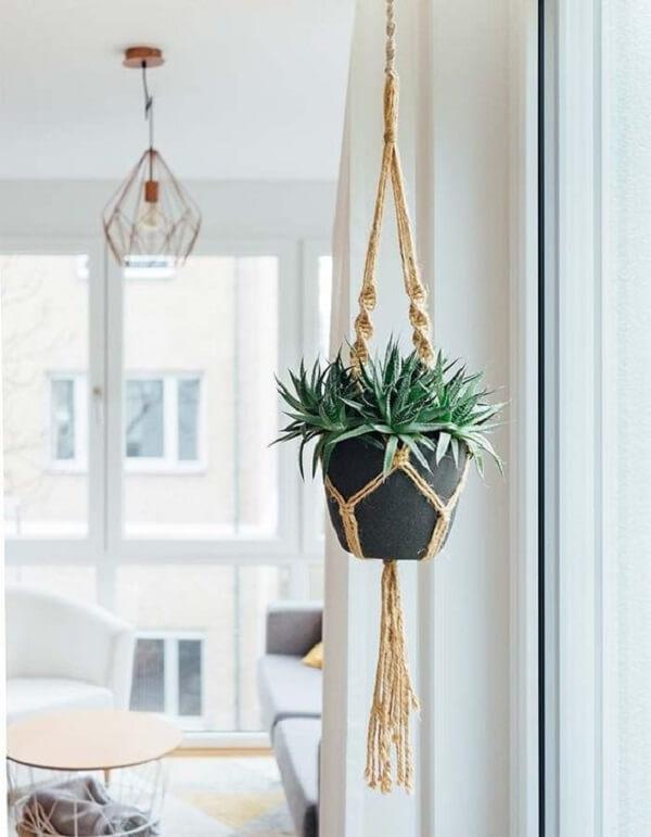 Vasos para jardim suspenso em macramê