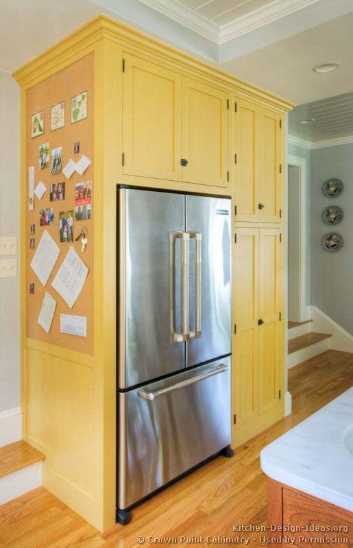 Armário de cozinha amarelo claro