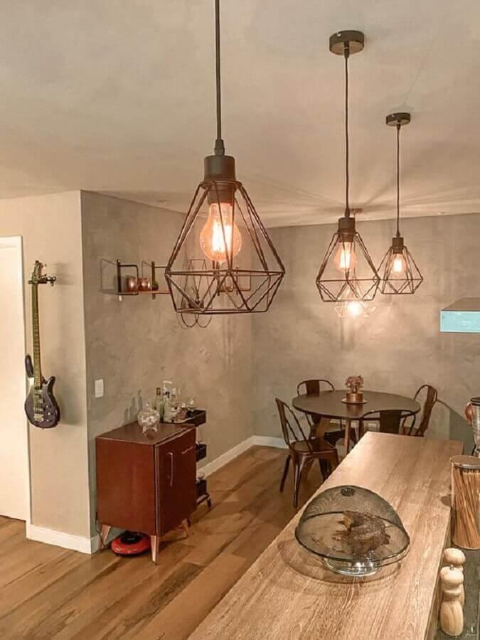 bancada de cozinha decorada com pendente industrial aramado Foto Apartamento 65B