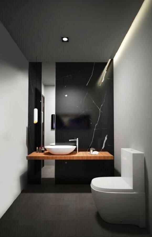 bancada de madeira para banheiro pequeno preto e branco  Foto UltraLinx