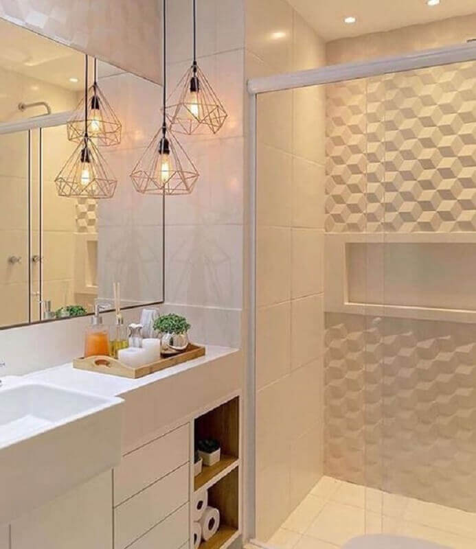 banheiro branco decorado com lustre pendente aramado rose gold e revestimento 3d Foto Pinterest