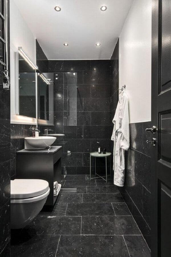banheiro pequeno preto e branco Foto Fliesen Kügler