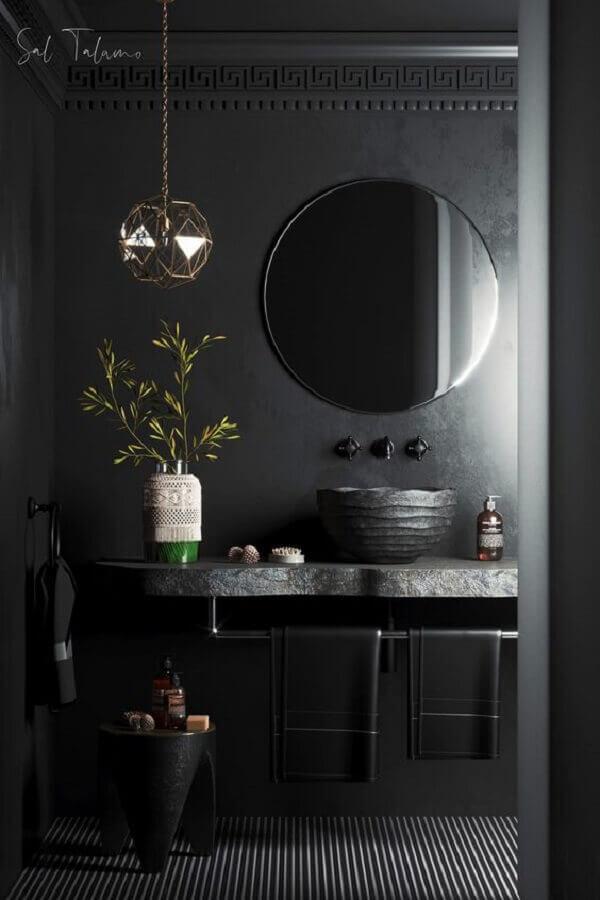 banheiro todo preto moderno decorado com espelho redondo  Foto Behance
