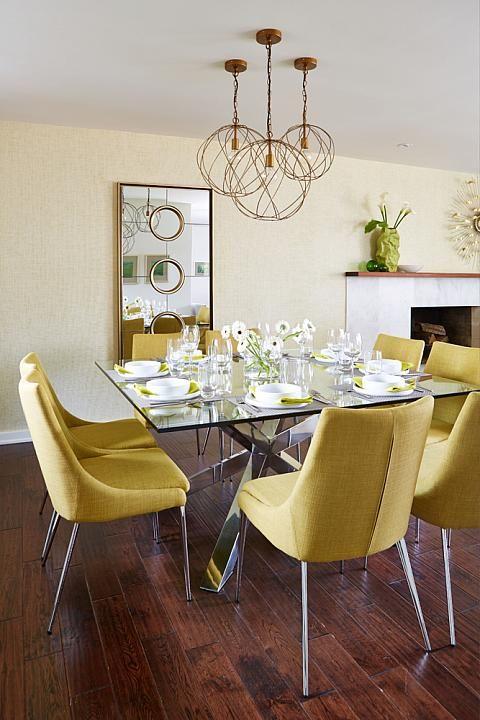 Base para mesa de vidro com cadeira amarela