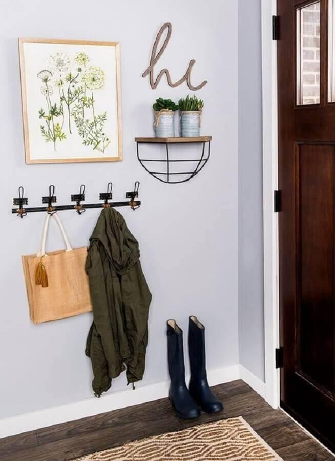 cabideiro de parede para hall de entrada simples e pequeno Foto Hobby Lobby