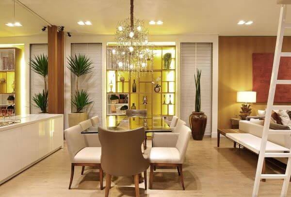 Cadeira tipo poltrona para mesa de jantar
