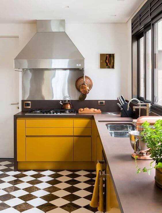 Casa organizada e cozinha limpa