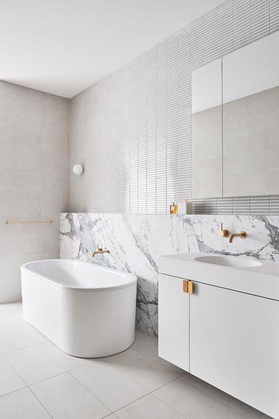 Cores de mármore para banheiro branco