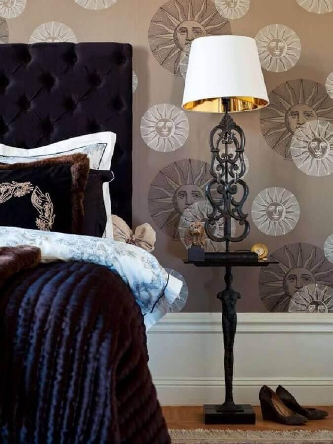 decoração clássica para quarto com cabeceira preta estofada Foto Homedit