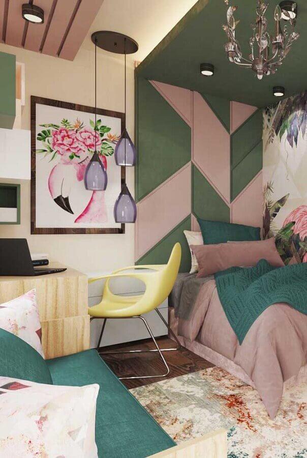 decoração colorida com luminárias pendentes e quadros para quarto de solteiro feminino  Foto My Desired Home