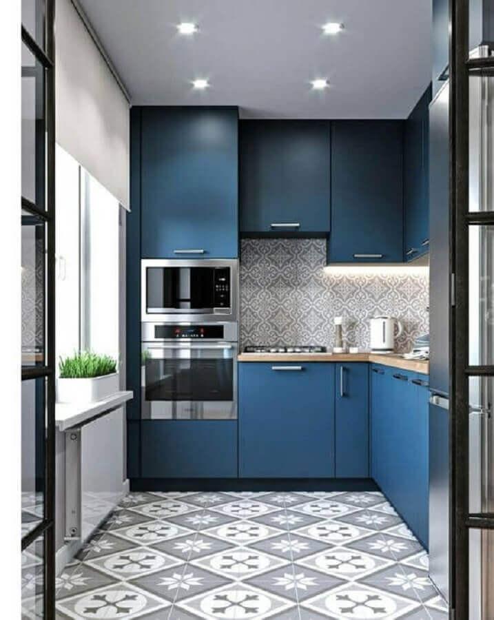 decoração com armário de cozinha planejado azul de canto Foto Behance