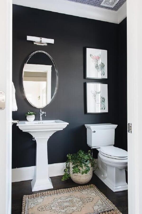 decoração com estilo vintage para banheiro preto  Foto House & Home