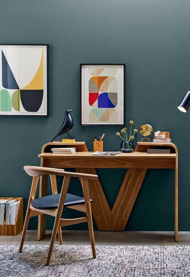 decoração com mesa para home office de madeira Foto Pinterest