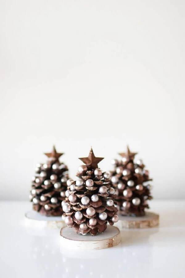 decoração com pinha de Natal Foto The Cottage Market