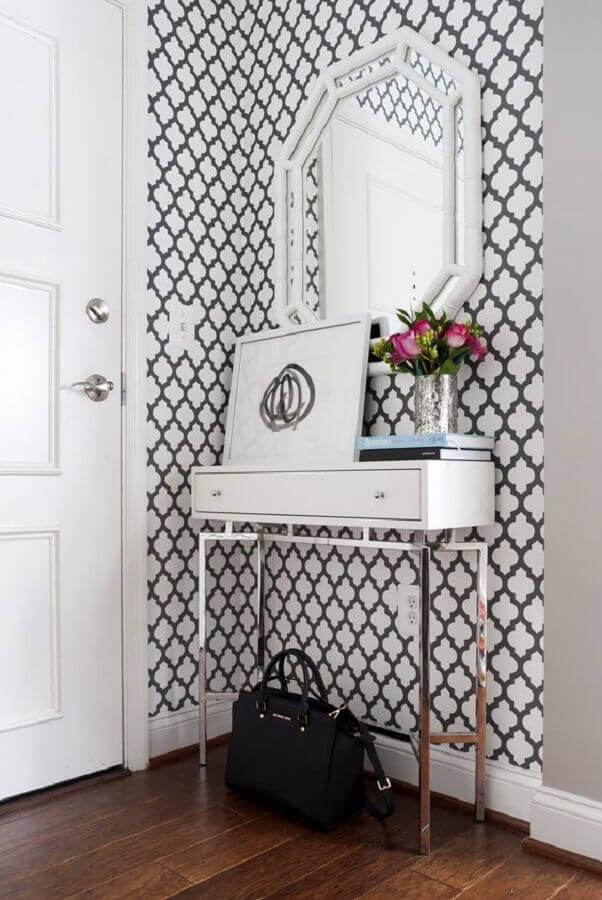 Decoração de hall de entrada pequeno com espelho branco e papel de parede Foto Architecture Art Designs