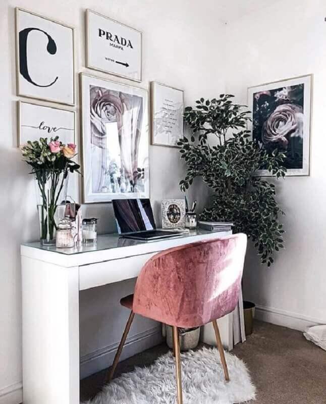 decoração de home office com poltrona rosa Foto Home Fashion Trend