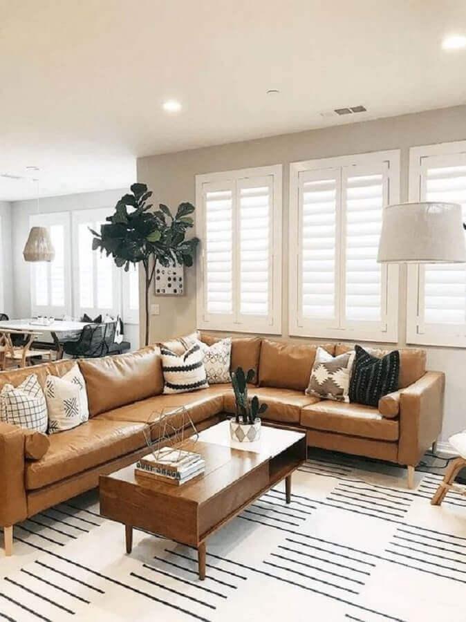 decoração de sala com sofá de canto marrom claro Foto Pinterest