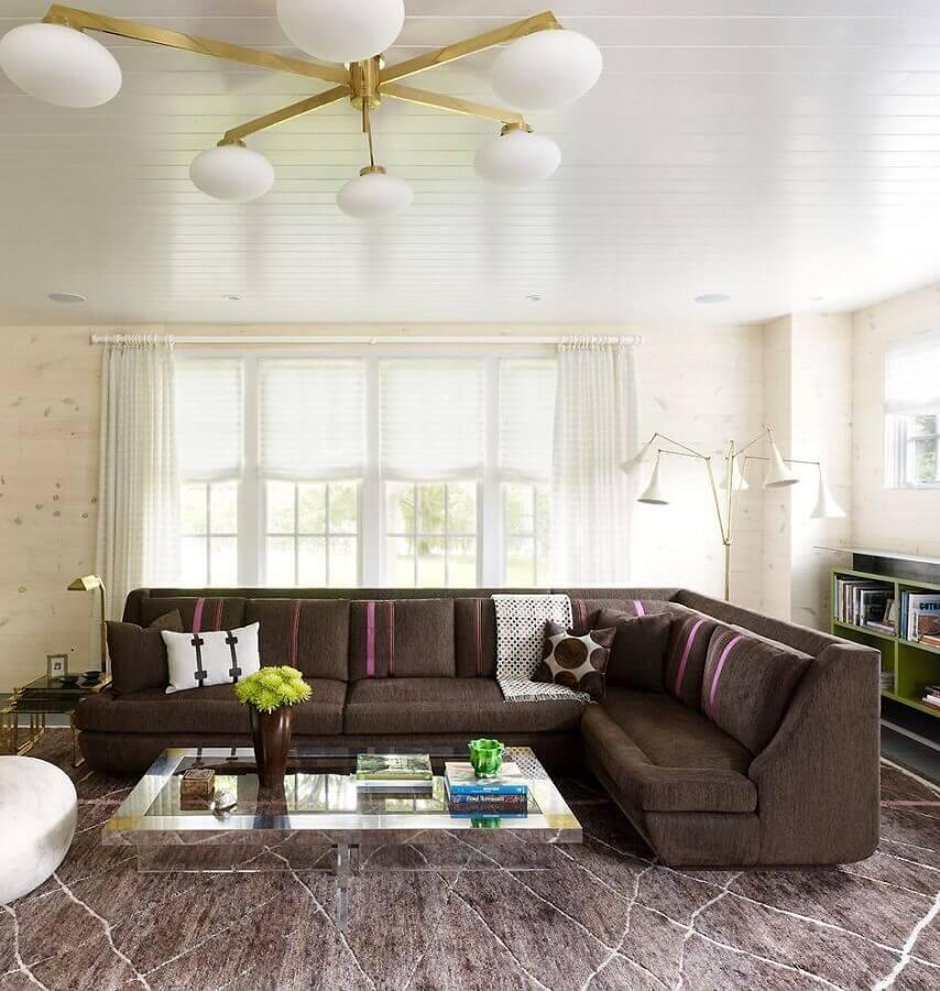 decoração de sala com sofá de canto marrom escuro  Foto Pinterest