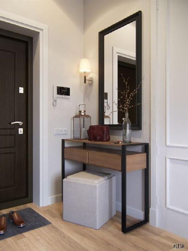 decoração hall de entrada pequeno com espelho e aparador industrial Foto Home Fashion Trend