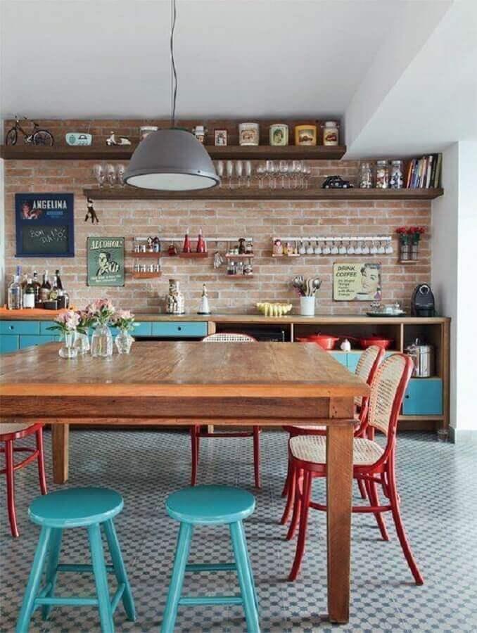 decoração rústica com armário de cozinha azul Foto Pinterest