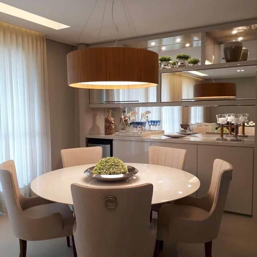 decoração sala de jantar com lustre pendente redondo de madeira Foto Pinterest