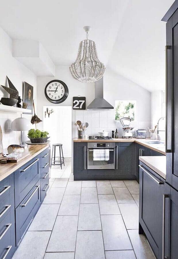 decoração simples com lustre pendente para cozinha planejada cinza Foto Pinterest