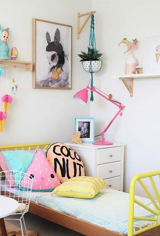 detalhes coloridos para decoração com quadros para quarto infantil feminino Foto Home Fashion Trend