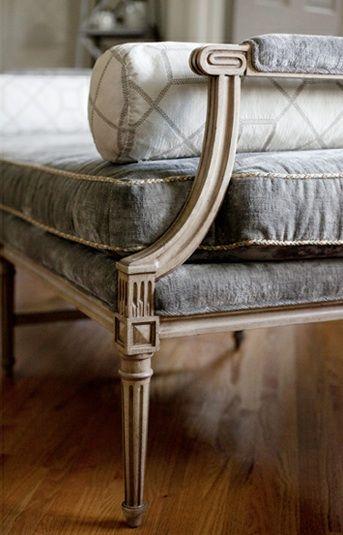 Detalhes de sofá antigo