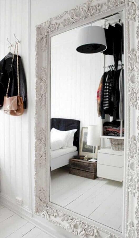 espelho de parede com moldura vintage branca Foto Pinterest