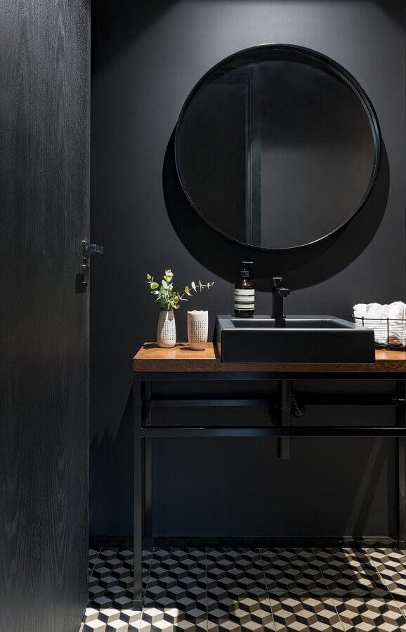 espelho redondo para decoração de banheiro preto minimalista  Foto Conexão Décor