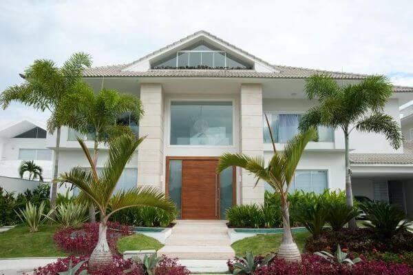 Revestimento para fachada de casa moderna com vidro