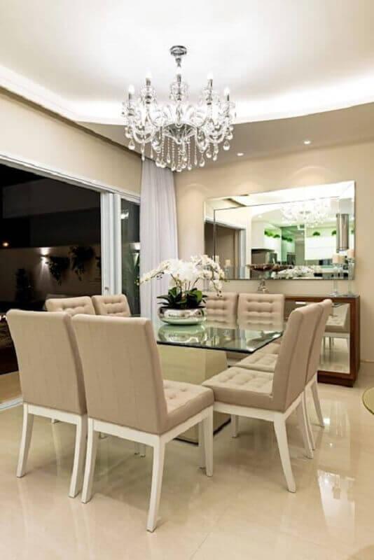 lustre pendente cristal para sala de jantar sofisticada decorada com mesa de vidro Foto Homify