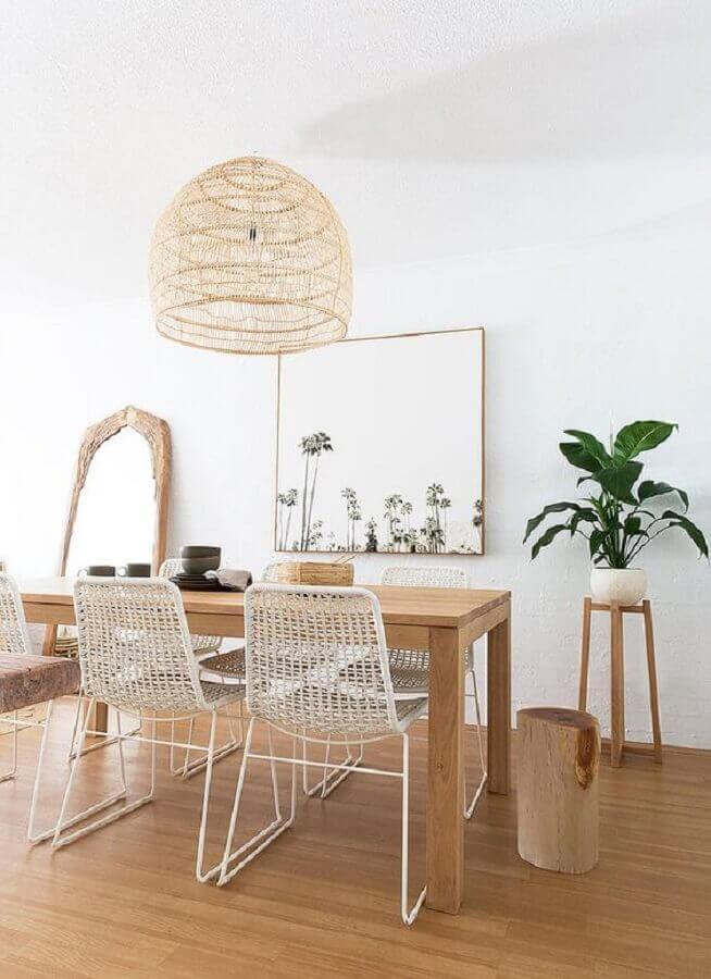 lustre pendente rústico para sala de jantar decorada com mesa de madeira Foto Apartment Therapy