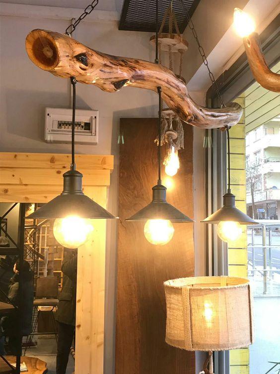 Lustre rústico com madeira