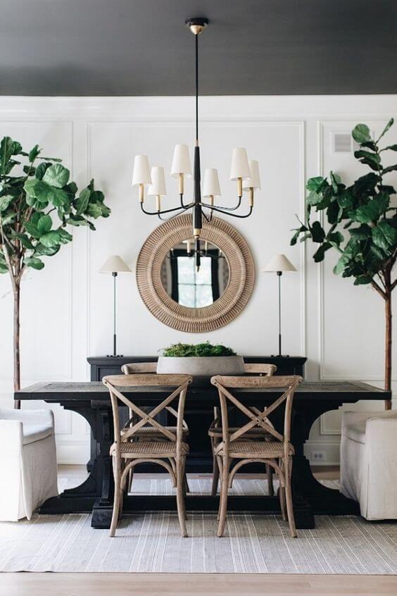 Mesa de jantar preta com cadeira paris