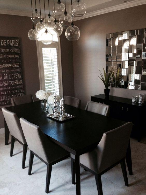 Mesa de jantar preta retangular