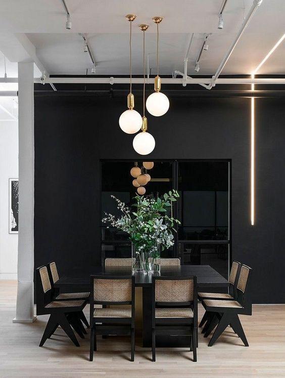Mesa de jantar preta quadrada para oito lugares