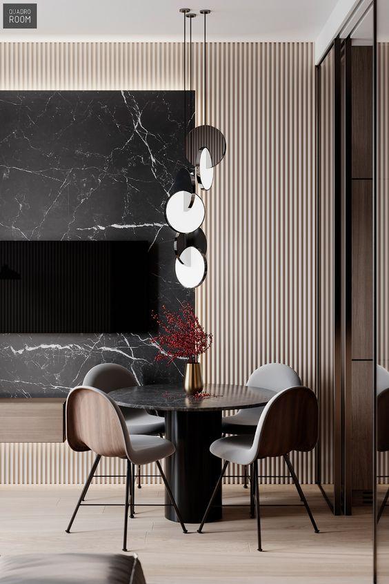 Compre uma mesa de jantar preta proporcional a seu espaço