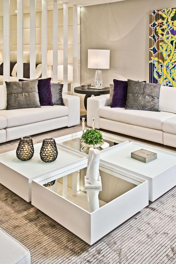 Mesa espelhada de centro branca e moderna