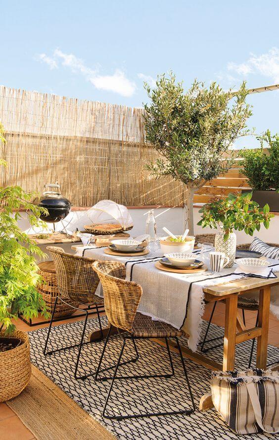 Mesa para varanda gourmet aberta