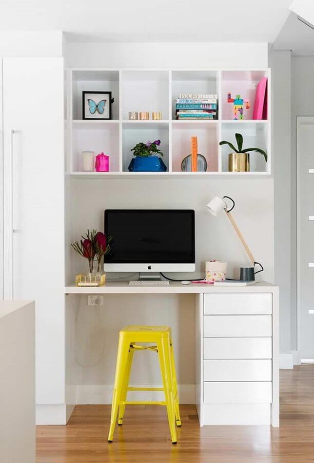 mesa pequena para home office com gavetas Foto Houzz