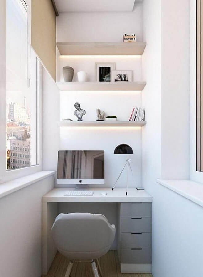 mesa pequena para home office planejado Foto A Casa Delas
