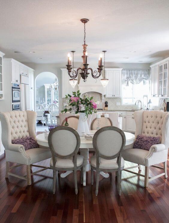 Mesa redonda de jantar com poltrona