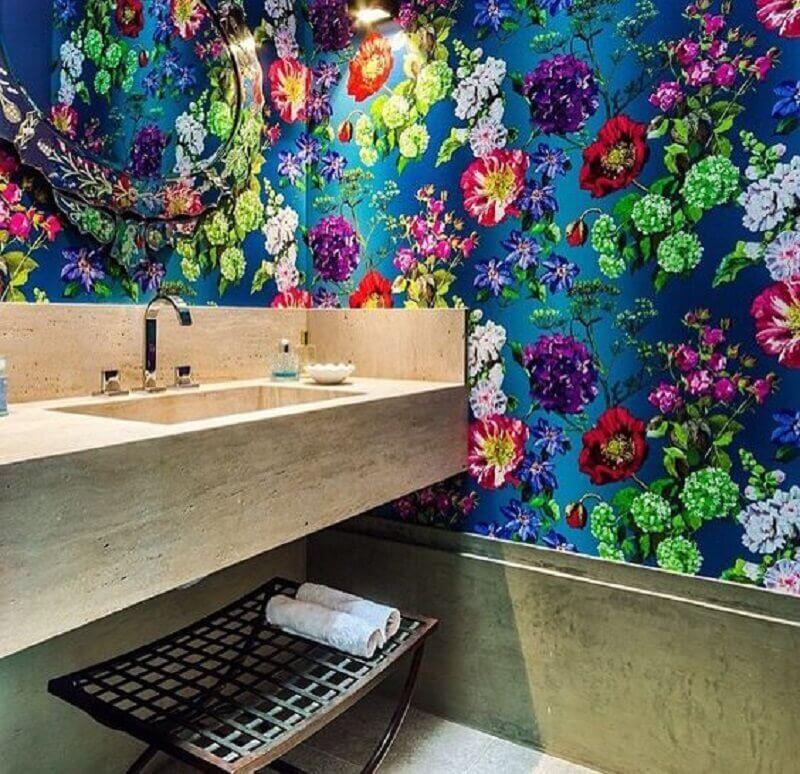 papel de parede colorido para banheiro  Foto Ingrid Almeida